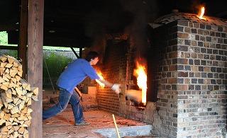 薪窯焼成.jpg