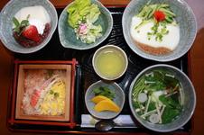 ごどうふ定食<br/>有田名物ごどうふをメインにした定食です。