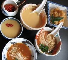 こだわりの<br /> 酢味噌・赤たれ・柚子胡椒<br />すべて手作り、無添加です。