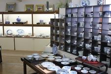 青花の商品をたくさん取り揃えております。