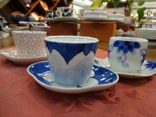 皿付き煎茶<br />受け皿付きの煎茶碗は、日本茶はもちろん、珈琲などを淹れてお使いいただいても素敵です。