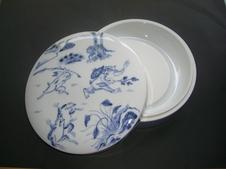鳥獣戯画文日月硯(ちょうじゅうぎがもんにちげつけん)<br/>硯は水洗いで白く戻ります。