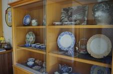 店内では明治・大正期の貴重な有田焼も展示しています。