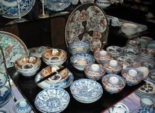 古陶磁は2階で販売をしています。