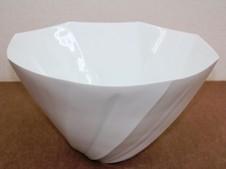 白磁面取線彫花器 (中尾純作)