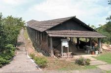 工房の奥には、陶祖李三平が有田ではじめて焼いたと言われている天狗谷古窯をもとに再現した登り窯があります。