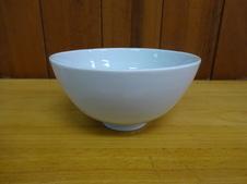 湯呑や飯碗など小さいサイズのものが作れます。
