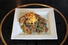 チャプチェ ¥840<br />(いろんな野菜のナムルや肉、韓国産の春雨などを合わせた韓国の伝統料理)