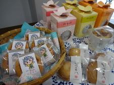 1階で販売している有田のお菓子をお買い上げいただいて、2階の喫茶ルームでお召し上がりいただくことも可能です。