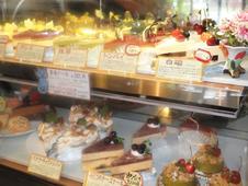 厳選素材で手作りした夢庵ケーキ。<br />人気は『トンバイ』と『白磁』!