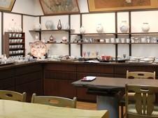 温もりあふれる古民家のギャラリーにて、ゆっくりと作品を鑑賞しながらお食事していただけます。