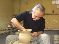 陶主の樋口憲人です。生地練りのプロである陶芸家が打つそばを、ぜひご賞味ください。