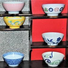 器は有田焼の「究極のラーメン鉢」を使用しています。<br>
