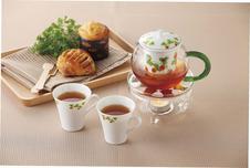 セランドポット<br />有田焼の茶こしが付いたガラスのティーポットです。<br />26種類の絵柄の中からお気に入りを見つけて下さい。