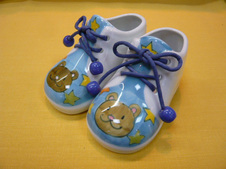 子供くつ<br />片方のサイズ13.0cm×7.0cm×8.5cm<br />※実際に靴としてご使用はできません。インテリアとしてお楽しみください。