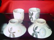 ダリヤ飯椀・湯呑<br />同柄のラーメン鉢もあります。