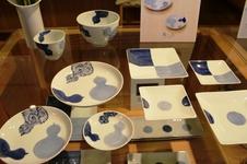 染付瓢絵皿 他<br />そうた窯による藍土オリジナル絵柄の商品です。<br />縁起のよい瓢モチーフの器は、普段使いはもちろん、おめでたい席にもぴったりです。