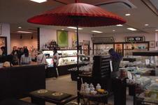 各店舗それぞれ趣向を凝らした展示がされており、見るだけでも楽しめます。