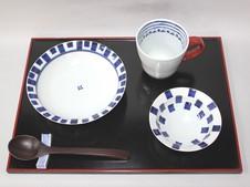 「皓洋窯」の器<br />シンプルで優しいデザイン。形状・絵柄ともに和洋に使え、特に和食器初心者にもおススメです。