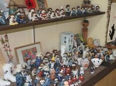 たくさんの陶人形。