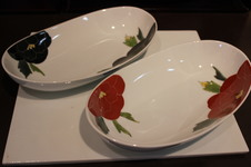 『楕円カレー皿』<br/>15年以上のロングセラー商品。<br/>カレー・パスタ・ハンバーグ・煮魚etc多用に使える人気の器です。