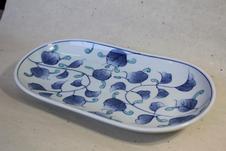 染錦唐草紋楕円皿