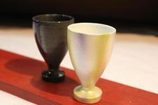 流星藍、淡虹彩カンパイカップ<br>酒造と窯元のコラボ作品<br>