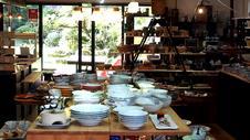 窯元のギャラリーとなるとちょっと緊張すると思われるかもしれませんが、<br />お気軽にお立ち寄りください。