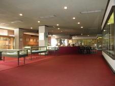 本店2階の参考館