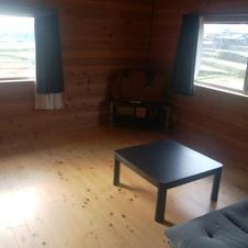 寝室は2室です。(10畳)6名まで可。(6畳)4名まで可。